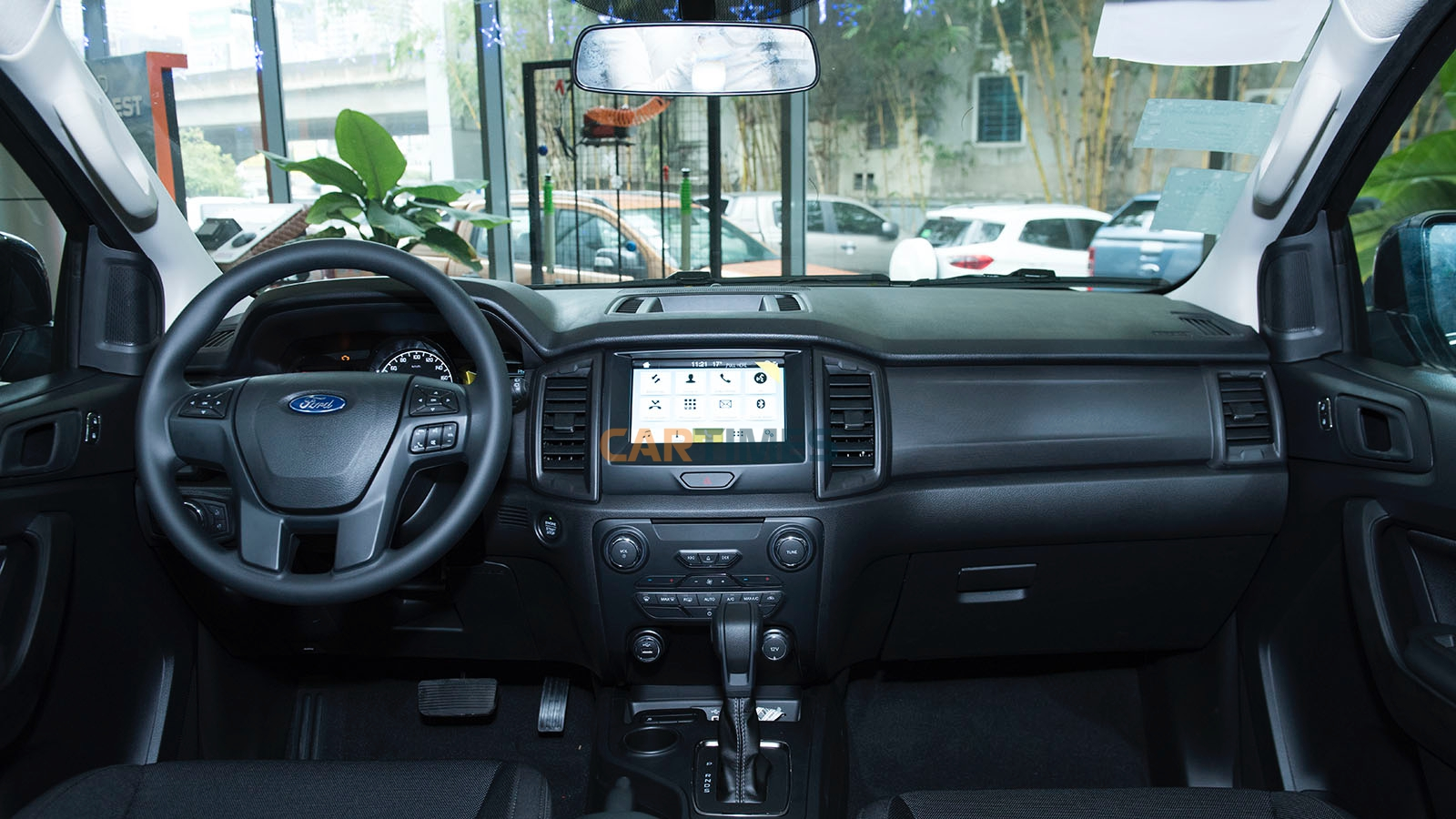 Thiết kế nội thất xe Ford Everest Ambiente