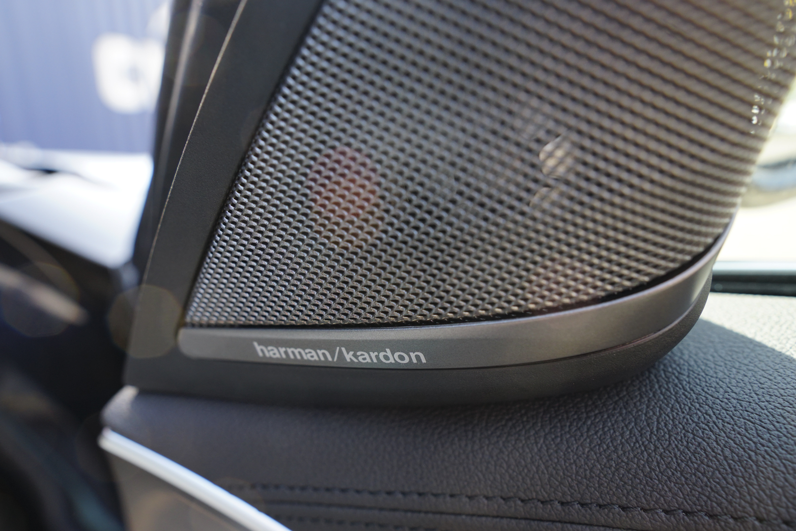 Loa Harman Kardon của BMW Series 5 2019